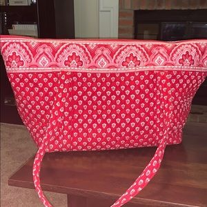 Great Baby Bag! Also used as overnight bag!